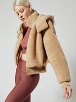 1-alo-foxy-sherpa-jacket-outerwear-camel